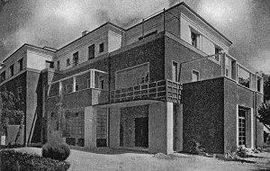 Giovanni Michelucci: Casa Valiani in Rom, 1929-31. Blick auf den Haupteingang. Foto: Dedalo 1932.