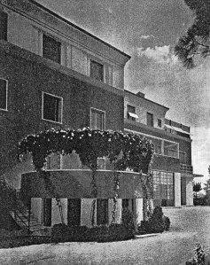 Giovanni Michelucci: Casa Valiani in Rom, 1929-31. Blick auf die Fassade. Foto: Dedalo 1932.