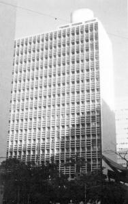 Oscar Niemeyer, Lucio Costa, Carlos Leao, Jorge Machado Moreira und Affonso Eduardo Reidy: Ministerium für Erziehung und gesundheit, Rio de Janeiro, 1937-43. Quelle: Kultermann 1977, S. 94.
